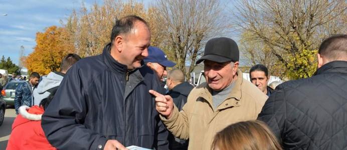 Михаил Миков с граждани - кампания за президентски избори - 29 октомври 2016 г.